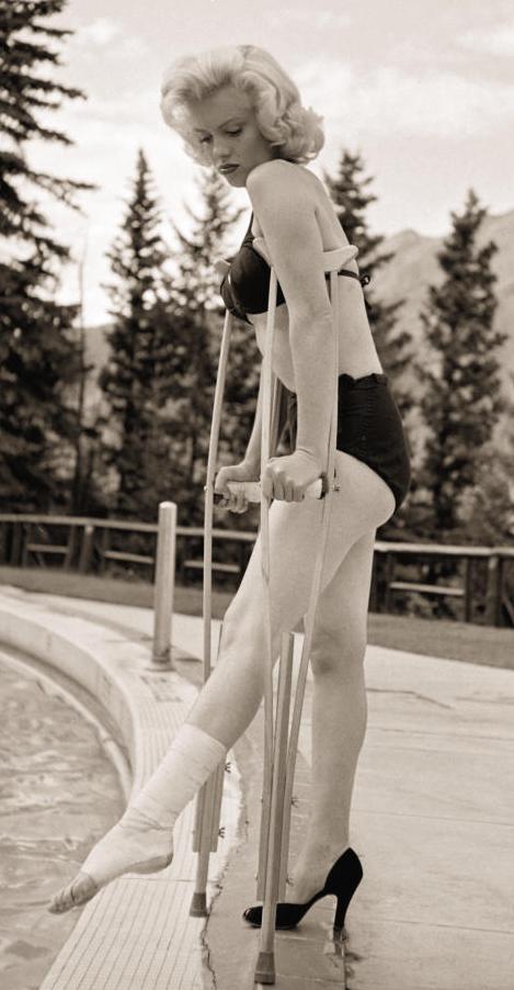 marilyn crutch