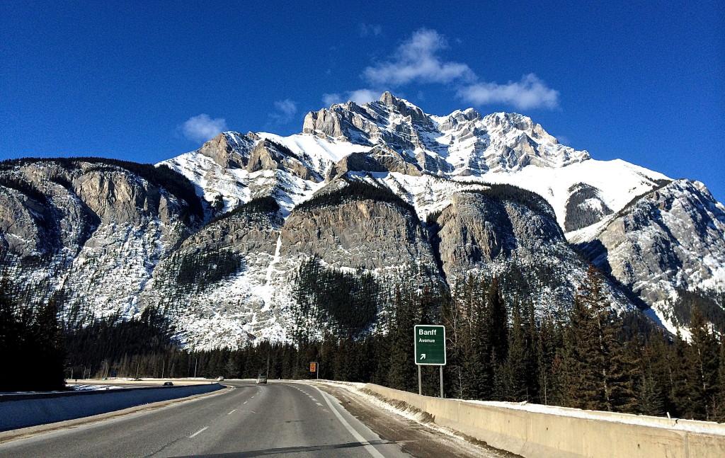 Banff Blue Besos