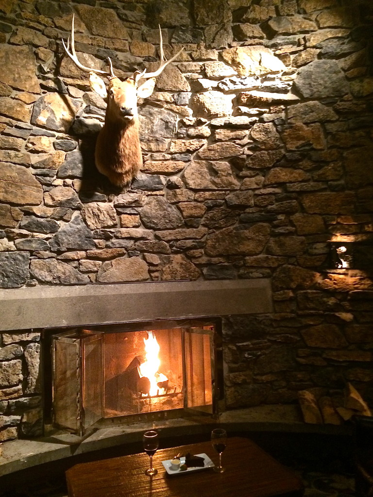Chimney Corner Lounge