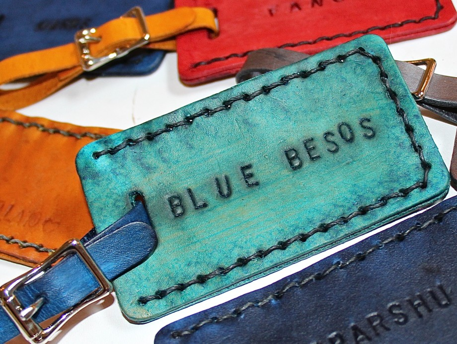 Blue Besos luggage tag